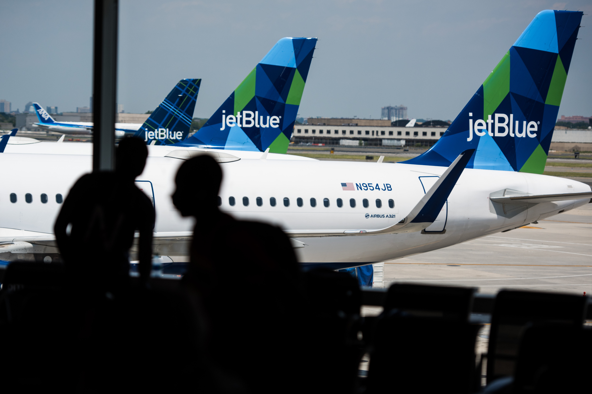 jetblue bets on bag fees and fewer frills fare to boost revenue